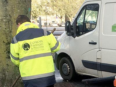 Entretien espaces verts professionnels Nantes - Propreté des parkings - Espaces Paysages Propreté